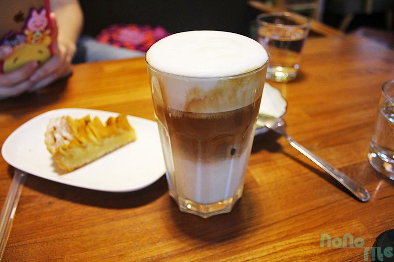 咖啡葉店《冰卡布奇諾》